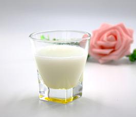 常喝牛奶防御病菌
