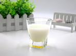 睡觉前喝牛奶好吗