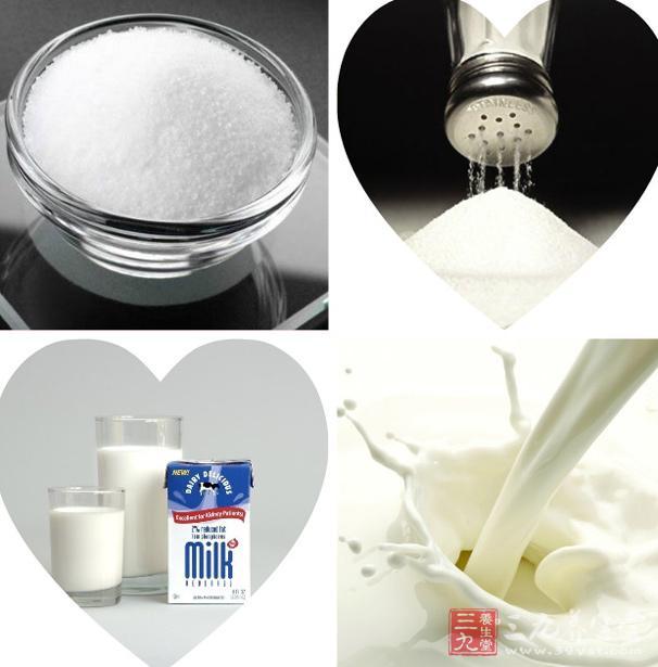 留意要在盐半溶解的状态下开始行动,让盐颗粒在推拿中慢慢变小图片