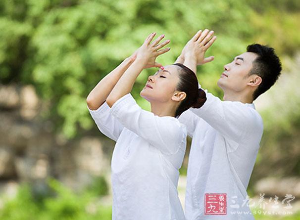 产后视频身材恢复瑜伽乞讨搞笑视频图片