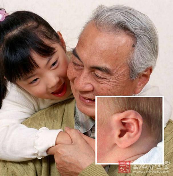 耳鸣可能是本病早的症状,初期可表现为持续性的低调吹风样,晚期可出现多种音调的嘈杂声,如铃声、蝉鸣声、风吹声等等。.jpg