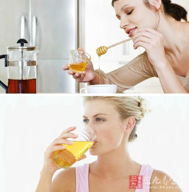 蜂蜜水可以抗菌消炎、促进组织再生