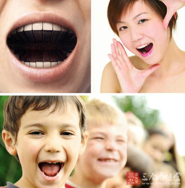 张开嘴巴,想吃东西一样咀嚼,这样子上下颚运动100次。