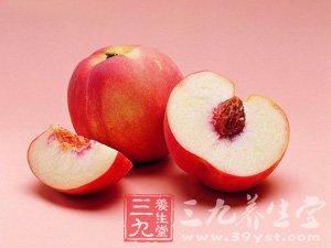 """惊 我们常吃的12种""""毒""""水果"""
