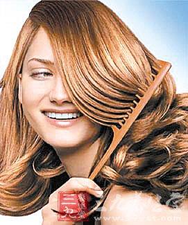 日常多梳头可养生 胜过吃补药