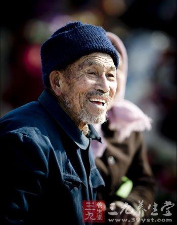 老年人 幽默 年轻 九种/九种幽默让老年人年轻