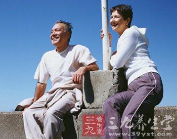 夏季老年人健身的注意事项(2)
