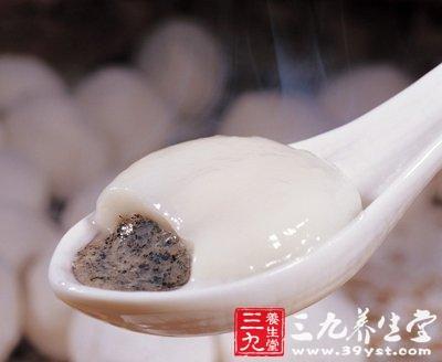 曝光 创可贴包入思念汤圆 水饺吃出泡沫来(3)
