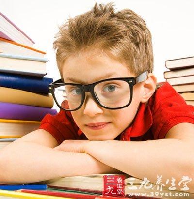 保护眼睛 警惕易近视的4类儿童