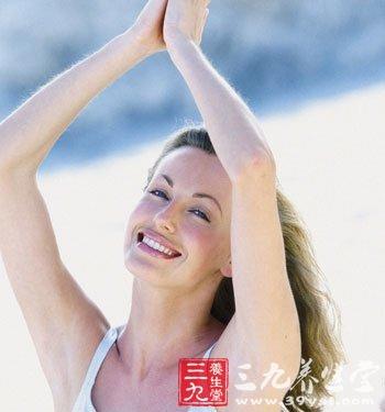 少妇掰开阴部_不少妇女喜欢洗浴后在外阴部,大腿内侧,下腹部,腋窝等处撒上爽身粉.