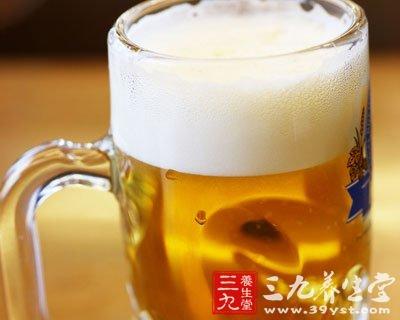 """夏日喝啤酒配海鲜 小心""""吃""""走你生命"""