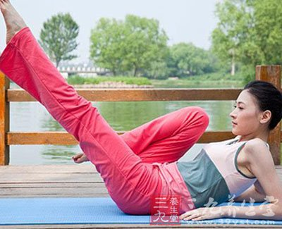 拱桥式瑜伽 塑造完美腰身