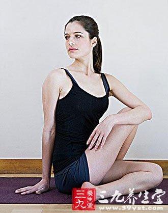 瑜伽保健巧妙招式 告别背痛