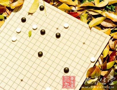 园举行五子棋比赛图片