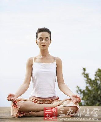 产后瑜伽轻松做 找回自信身材