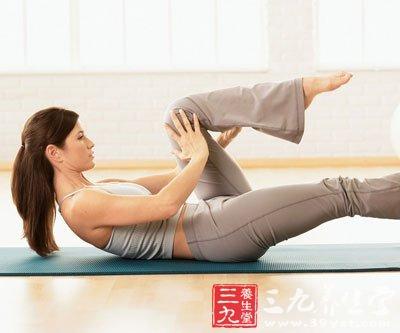 瑜珈小动作帮你平腹健身