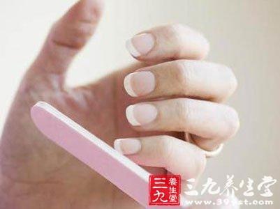 指甲发脆,易断说明营养不良图片