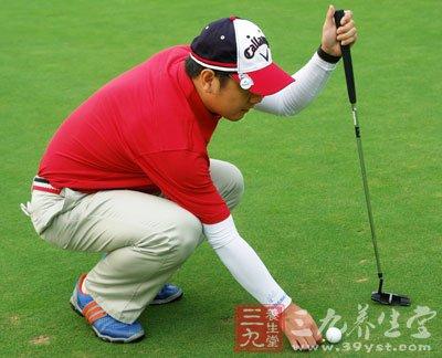 打高尔夫_高尔夫怎么打