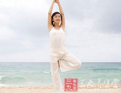 树式减肥瑜伽图片