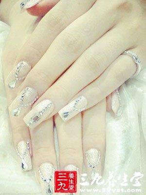十指连心 从手指甲中看出身体疾病