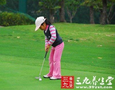 8个基本要点让你熟练运用并掌握高尔夫球的推杆