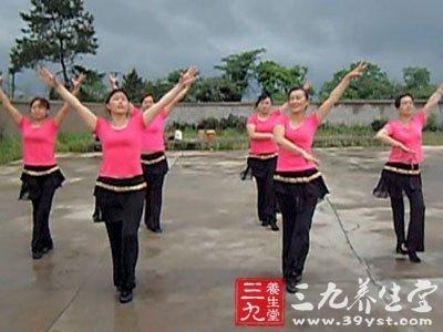 大妈纽约跳广场舞 跳广场舞对老年人的11大好处(2)