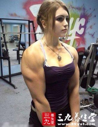 最萌女汉子走红网络 不想做肌肉女要这么健身