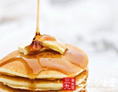 蜂蜜的吃法有油煎鸡蛋蘸蜂蜜