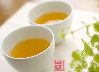 蜂蜜水什么时候喝好 解析蜂蜜的作用与功效