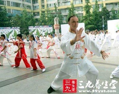 24式简化太极拳_太极拳24式音乐视频下载及分