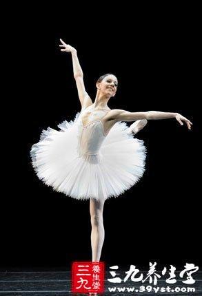 轻歌曼舞,每周3至4次,也是减肥方法之一