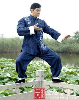 56式陈式太极拳_太极拳视频 陈式太极老架一路第一段动作2013-11-08 陈式太极拳是