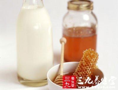 牛奶加蜂蜜放松神经