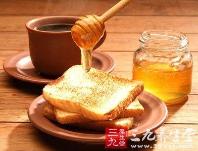蜂蜜中的果糖具有非常好的解酒作用