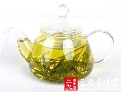 竹叶茶有清热解毒,清除口臭的作用