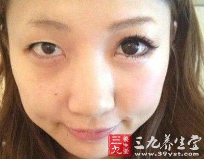 日本半颜妆