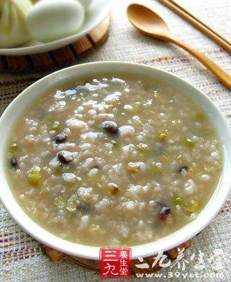 每天喝小米绿豆粥