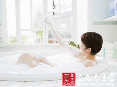 沐浴水温过高