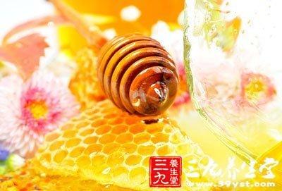 蜂蜜有消炎祛痰润肺止咳的功效