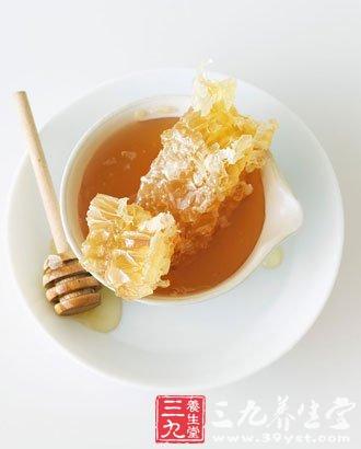 把蜂蜜作为清晨第一杯水