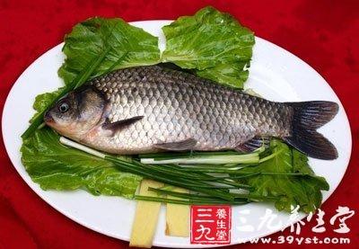 蜂蜜和鲫鱼同食会中毒