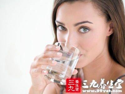 多喝水可长寿