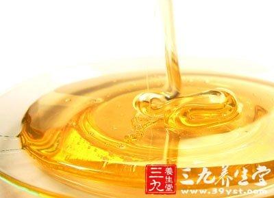 蜂蜜红茶一杯一汤匙蜂蜜