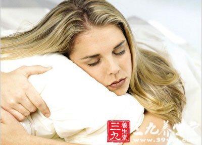 裸睡不但使人轻松、舒适,就连妇科病,如常见的妇女腰痛和生理性月经痛也可以得到缓解