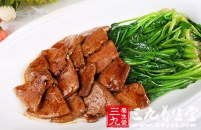 菠菜富含叶黄素猪肝中含有丰富的维生素A
