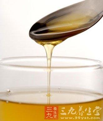 蜂蜜一般均在饭前1-1.5小时或饭后2-3小时食用比较适宜