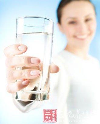 喝水的7个坏习惯