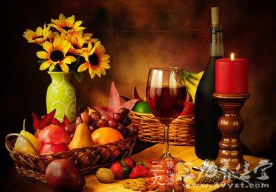 晚餐要早吃,可大大降低尿路结石病的发病率
