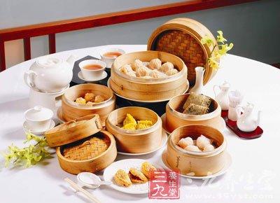 早餐食物尽量做到可口、开胃;有足够的数量和较好的质量