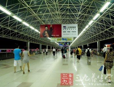上海地铁站伤人事件 乘坐地铁的5个健康小常识